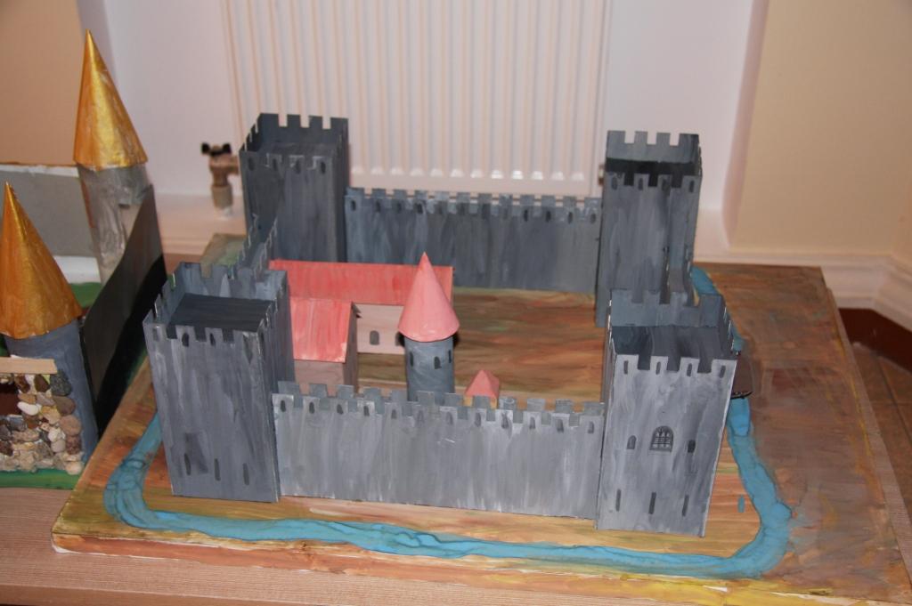 Исторический замок своими руками