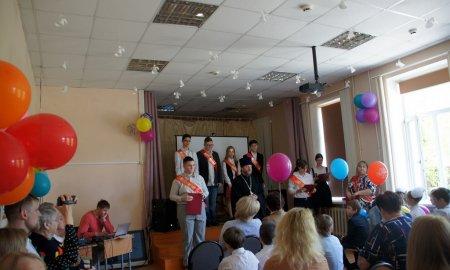 Последний звонок в Манихинской средней общеобразовательной школе.