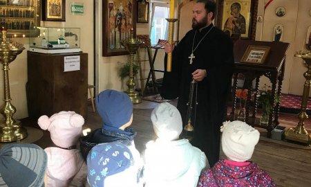 Экскурсия в храме для детей из детского сада в Истре