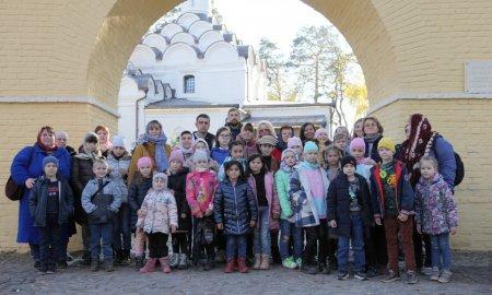 Паломническая поездка детей Воскресной школы храма Крестовоздвижения села Дарна